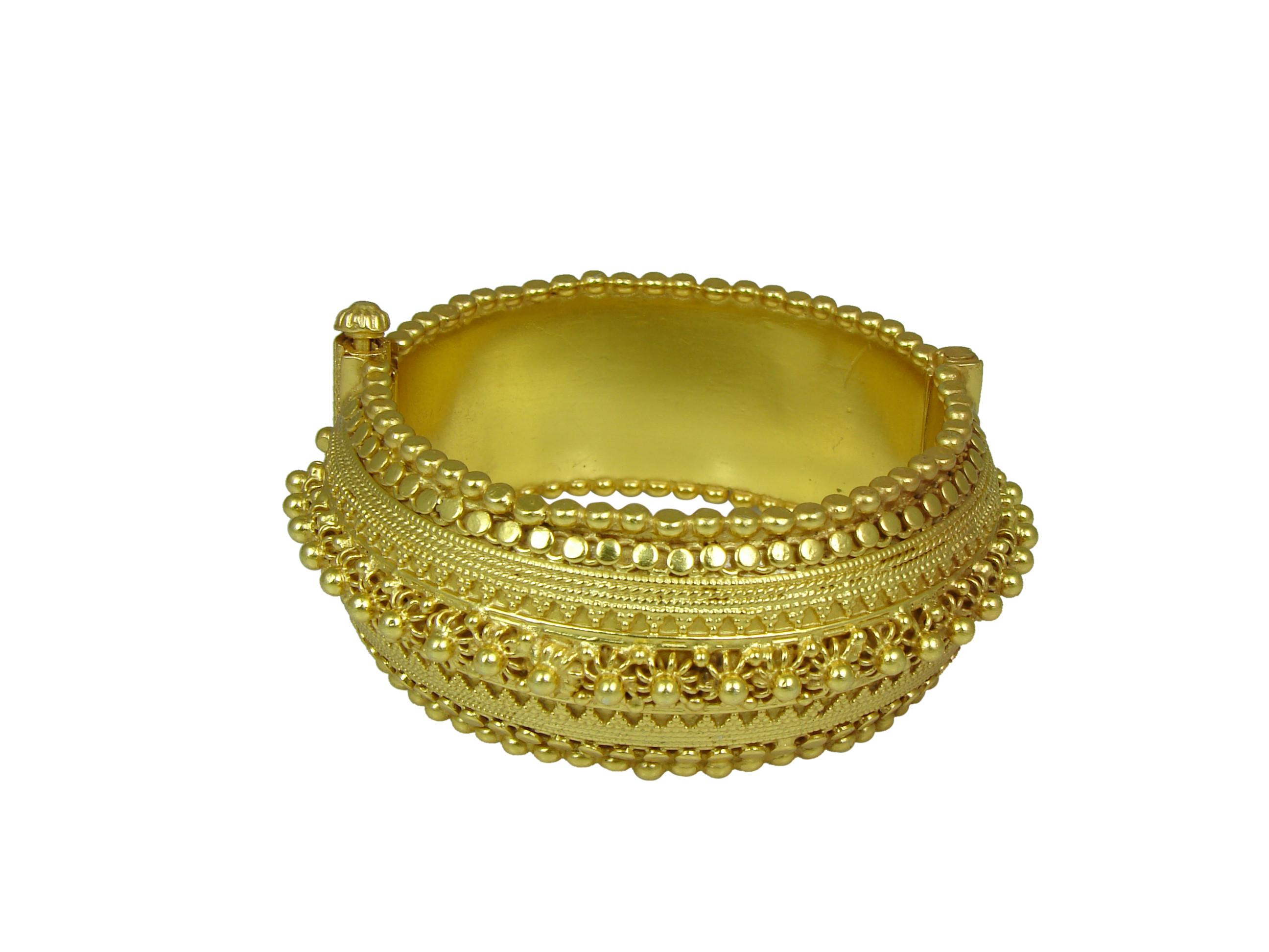 Golden Spring Rava  Bangle
