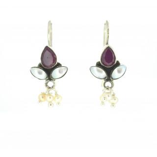 Pearl and rubi earring