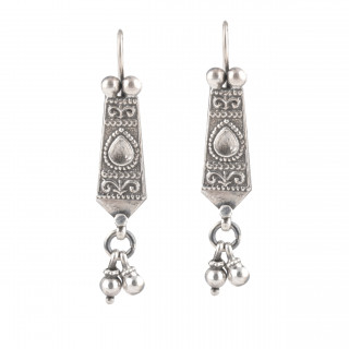 antique style hanging handmade earring
